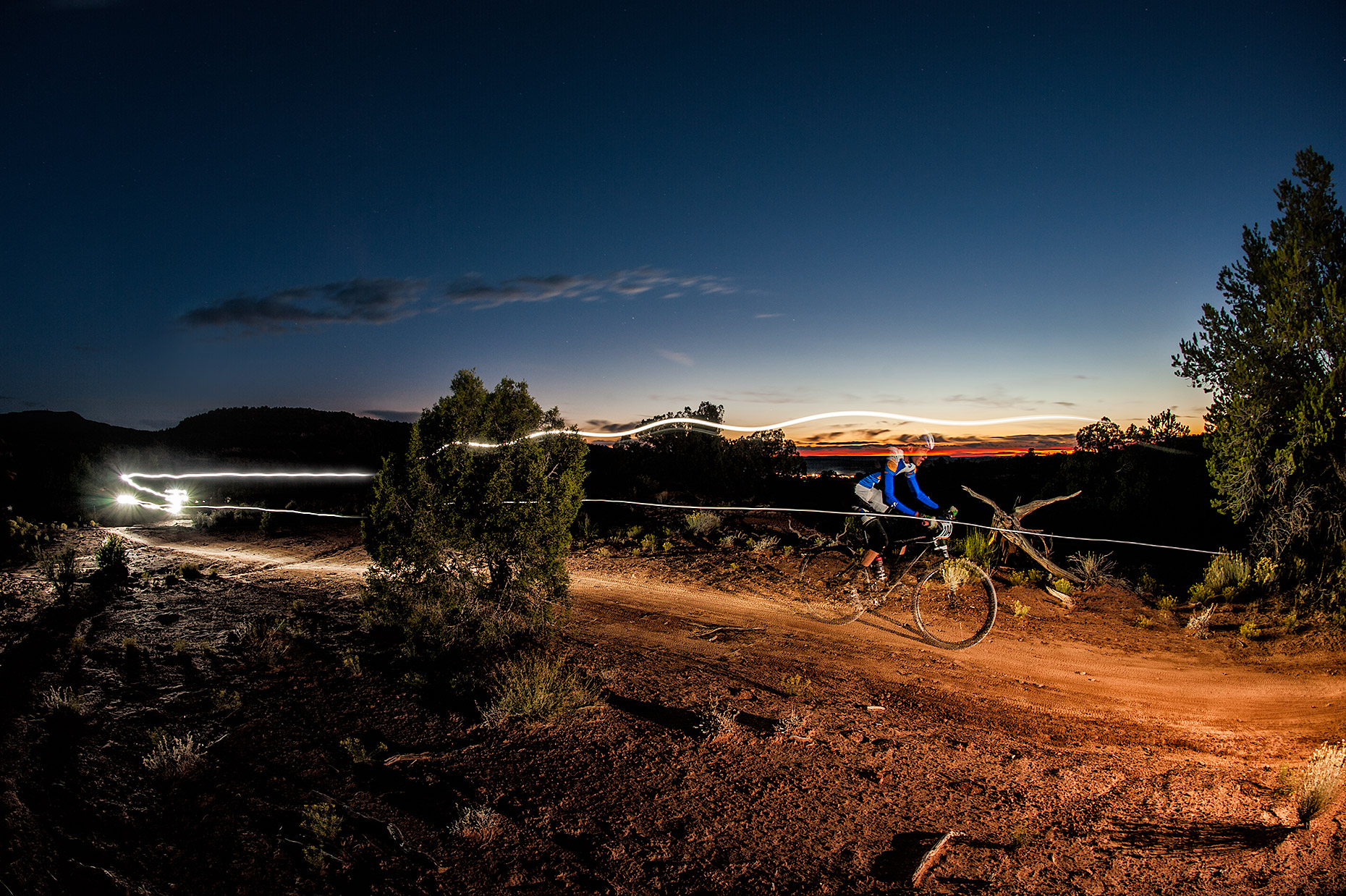 aaron-ingrao-24-hours-of-moab-long-exposure-mountainbike-race