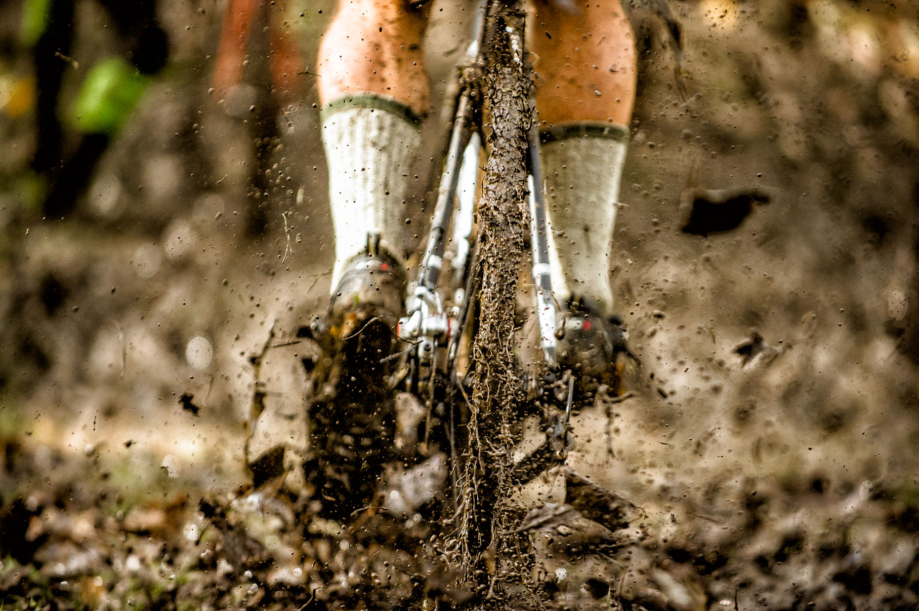 aaron-ingrao-cyclocross-muddy-tire-cross-in-the-park