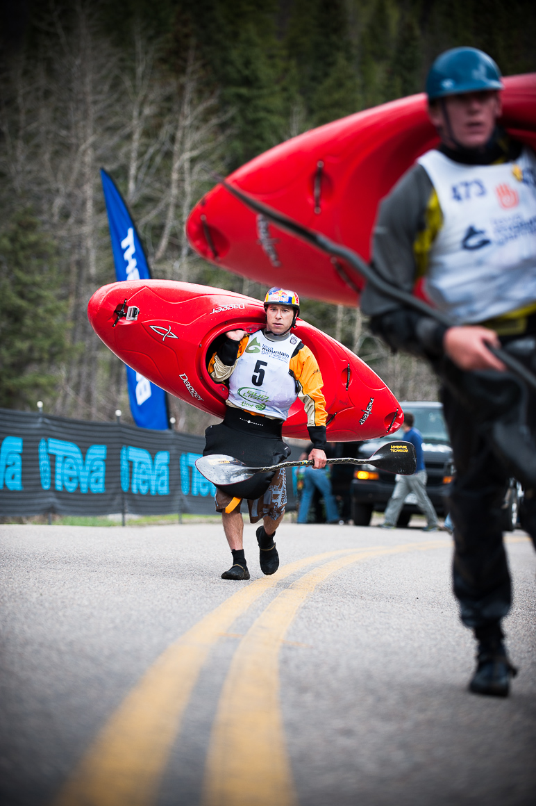 aaron-ingrao-kayakers-teva-mountain-games